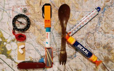 Varusteita ja valmistautumista UK-puiston seitsemän päivän hiihtovaellukselle